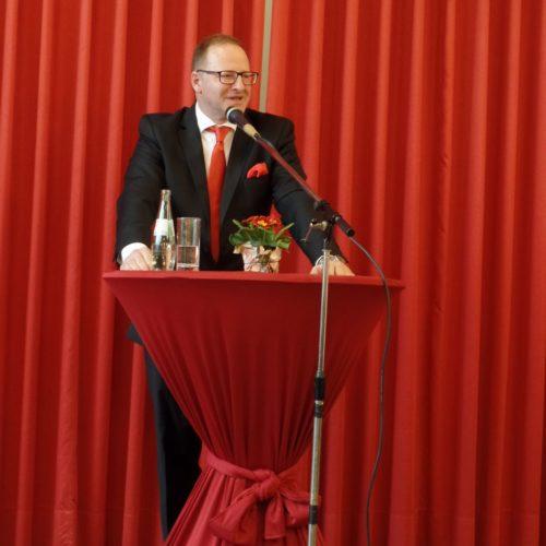 SPD-Ortsvereinsvorsitzender Peter Sulzmann bei seiner Begrüßung